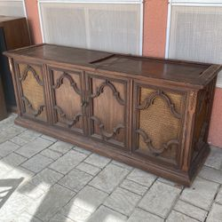 Antique Récord Player Console for Sale in Sacramento,  CA