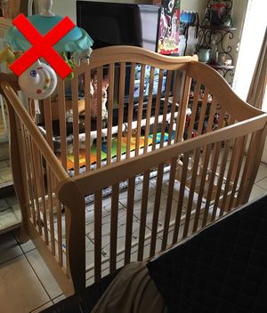 Baby Crib / Baby Car Seat Stroller for Sale in Fort Lauderdale, FL