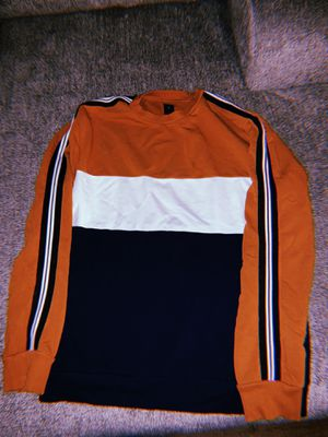 Striped Sweater SIZE M for Sale in Bellflower, CA