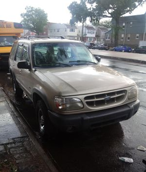 Ford Explorer strong and clean for Sale in Queens, NY