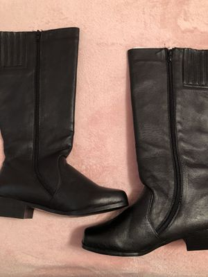 Size 7 black boots for Sale in Zephyrhills, FL