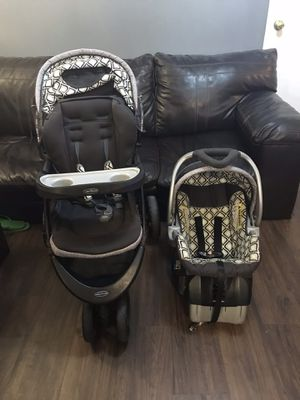 Car seat and stroller set for Sale in West Lafayette, IN