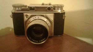 Voigtlander Prominent ll Ultron 1:2/50 Camera (1956) for Sale in Philadelphia, PA