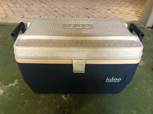 Igloo cooler for Sale in Palm Beach Gardens, FL