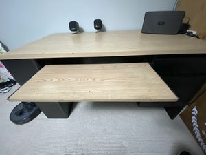 Used Desk in Good Condition with drawer and keyboard tray 53in x 26 in x 29 in for Sale in Alhambra, CA
