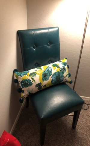 Chair for Sale in Phoenix, AZ