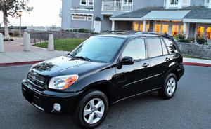 Wonderful 2005 Toyota RAV4-2WDWheels Cool for Sale in Columbia, SC