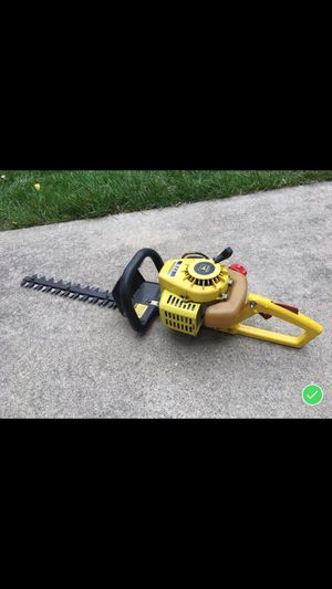 John Deere hedge clippers. Gas powered for Sale in Bay City, MI