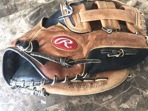 "Rawlings 12.5"" VSB125 The Vise Baseball Softball Glove RHT Oil treated leather. Condition is Pre-owned. Shipped with USPS Priority Mail. Great condit for Sale in Elgin, IL"