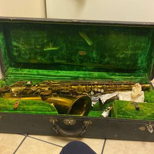 Hilton Saxophone for Sale in Fort Washington, MD