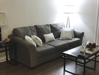 Living room Set: Couch, Coffee Table, 2 Side Tables, & 1 Lamp for Sale in San Diego,  CA