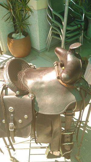 Horse saddle $ 450 for Sale in Jurupa Valley, CA