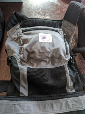 Ergo baby infant carrier with newborn insert for Sale in Livermore, CA