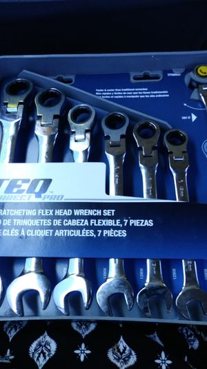 TEQ correct PRO 7 PC RATCHETING FLEX HEAD wrench SET for Sale in Santa Maria, CA