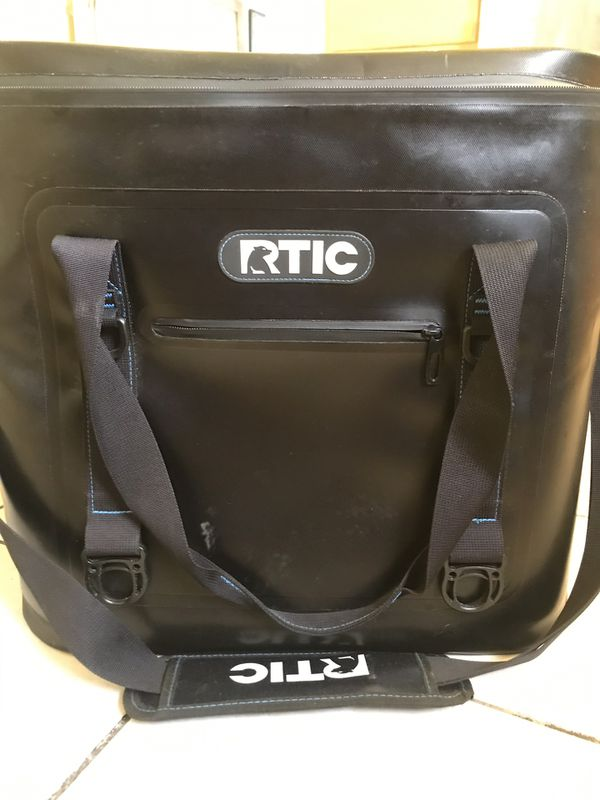 RTIC 40 soft pack, YETI cooler
