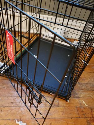 Small wire dog crate for Sale in St. Louis, MO