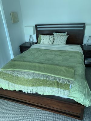 Macy's bed and nightstands with dresser for Sale in Miami, FL