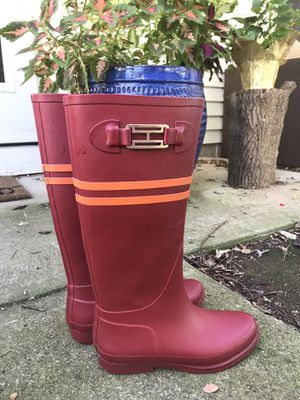 Red hilfiger rain boots for Sale in Powell, OH