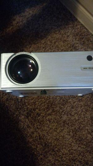 Screen mirroring, mini projector for Sale in El Paso, TX