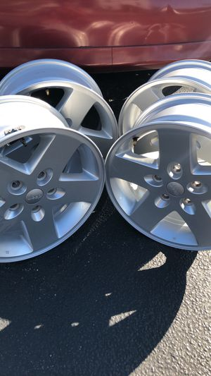 4 (17x7.5) Jeep Rims (OBO) for Sale in St. Petersburg, FL