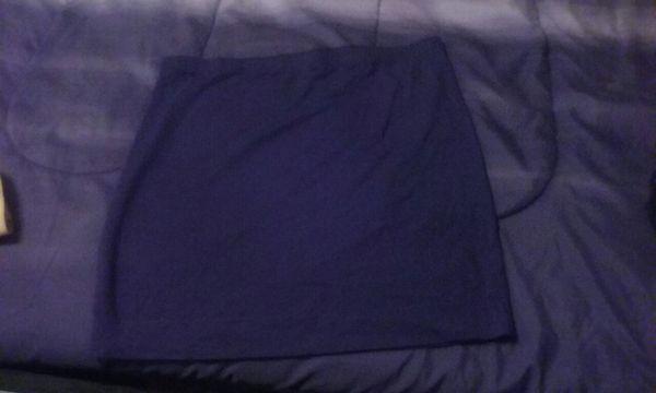 Black h&m skirts