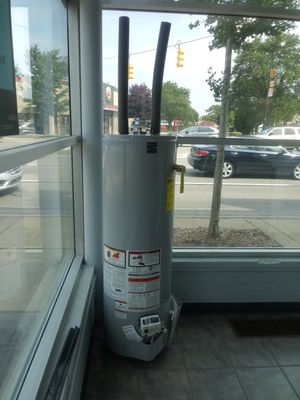 Water heater for Sale in Dearborn, MI