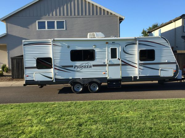 2013 Pioneer travel trailer 26 foot must see makes it easy to travel