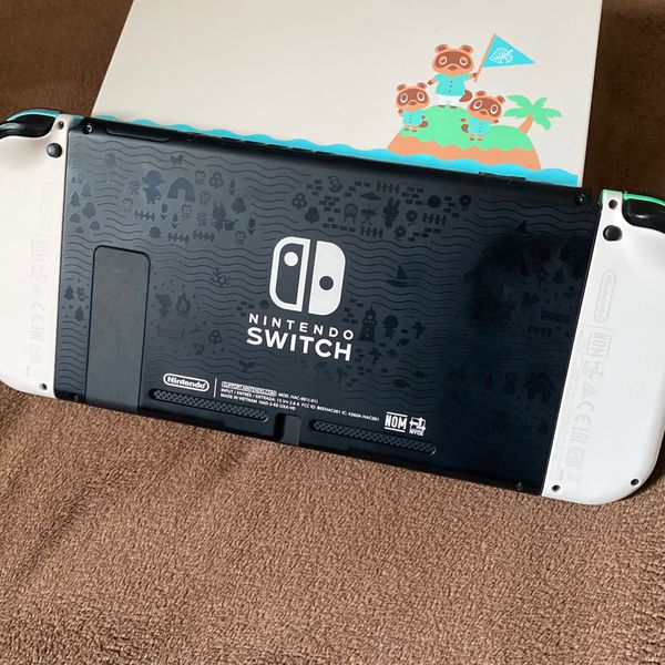 Nintendo Switch Animal Crossing Limited Edition With 4 Games