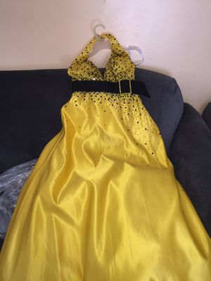 Yellow prom dress for Sale in Creedmoor, NC