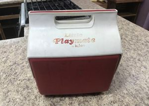 Igloo Little Playmate Cooler – Small Red & White Mini Cooler for Sale in Decatur, GA
