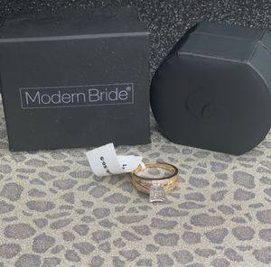 Modern Bride Wedding Ring for Sale in Lowell, NC