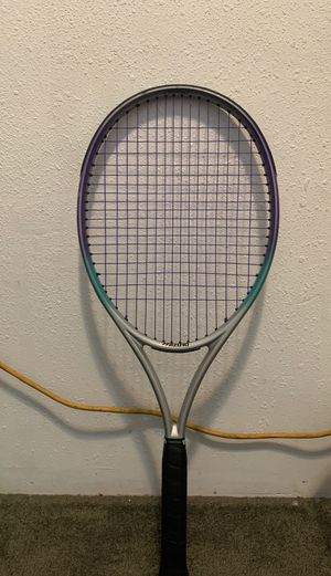 Tennis racket for Sale in CRYSTAL CITY, CA