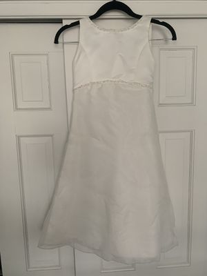 Us Angels flower girl white dress size 6 with bow for Sale in Leawood, KS