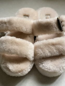 Ugg Slides Size 7 W for Sale in Everett,  WA