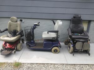 Free wheelchairs with charges make offer for Sale in Cranston, RI