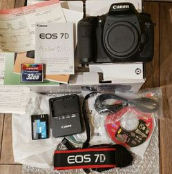Camera CANON 7D for Sale in Lynnwood,  WA