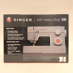 Singer 44S Heavy Duty sewing machine. New for Sale in Cleveland, OH