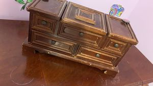 Antique small jewelry box for Sale in Elgin, SC