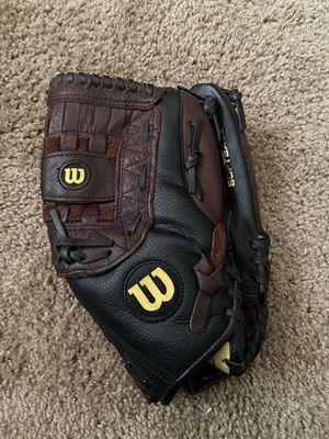 Wilson elite softball glove for Sale in Las Vegas, NV
