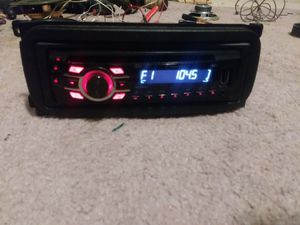Pioneer head unit w USB and AUX port no bluetooth for Sale in Knoxville, TN