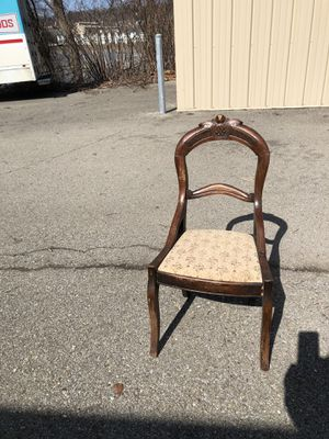 Antique Wooden Chair for Sale in Glenshaw, PA