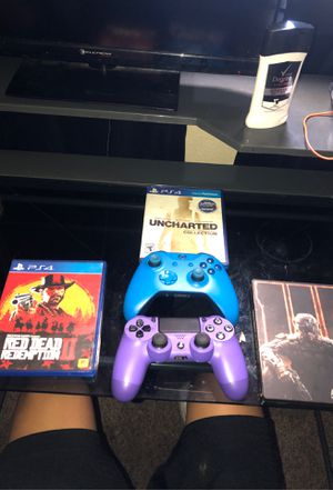 Controllers and ps4 games for Sale in Madera, CA