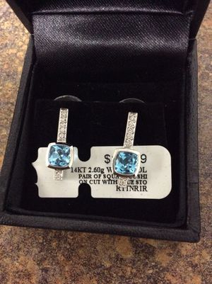 14 kt 2.60 g white gold pair of square cushion cut earrings blue stones inventory code 9291507747 for Sale in Sacramento, CA