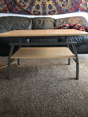 Side table for Sale in Mount Pleasant, MI