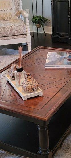 Coffee Table for Sale in Gallatin,  TN