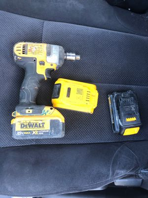 Dewalt impact gun three batteries no charger for Sale in Miami, FL