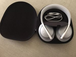 Bose NC 700 hp headset for Sale in Fresno, CA