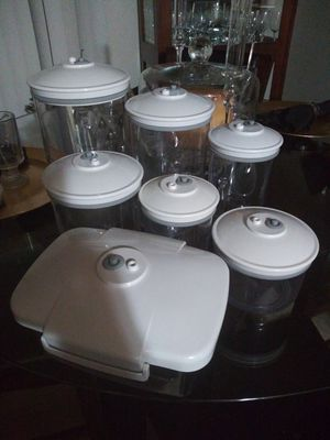 6pcs Air Pressure seal storage containers for Sale in Federal Way, WA