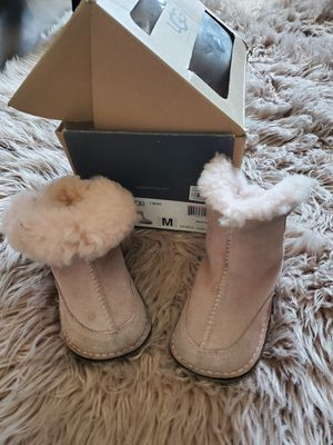 Girl uggs boots size M infant pink for Sale in Long Beach, CA