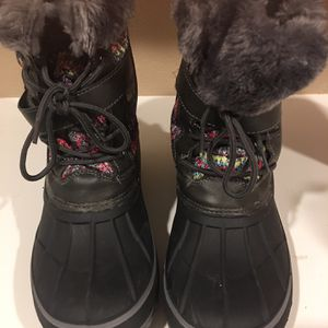Girl Snow Boots for Sale in Sanger, CA